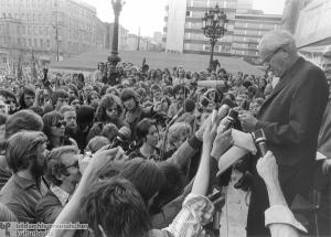 Διάσημη φωτογραφία του Μαρκούζε από ομιλία του την δεκαετία του 60