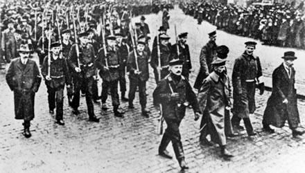 οπλισμένοι εξεγερμένοι στο Κίελο