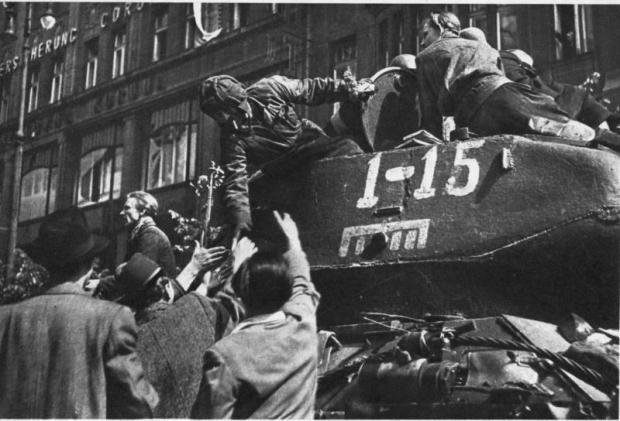 Ένα σημείωμα για τον αντικομμουνισμό και την αναθεώρηση της Ιστορίας